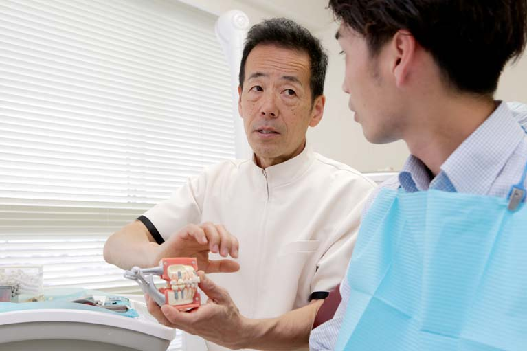 2.安心・安全なインプラント治療を提供します